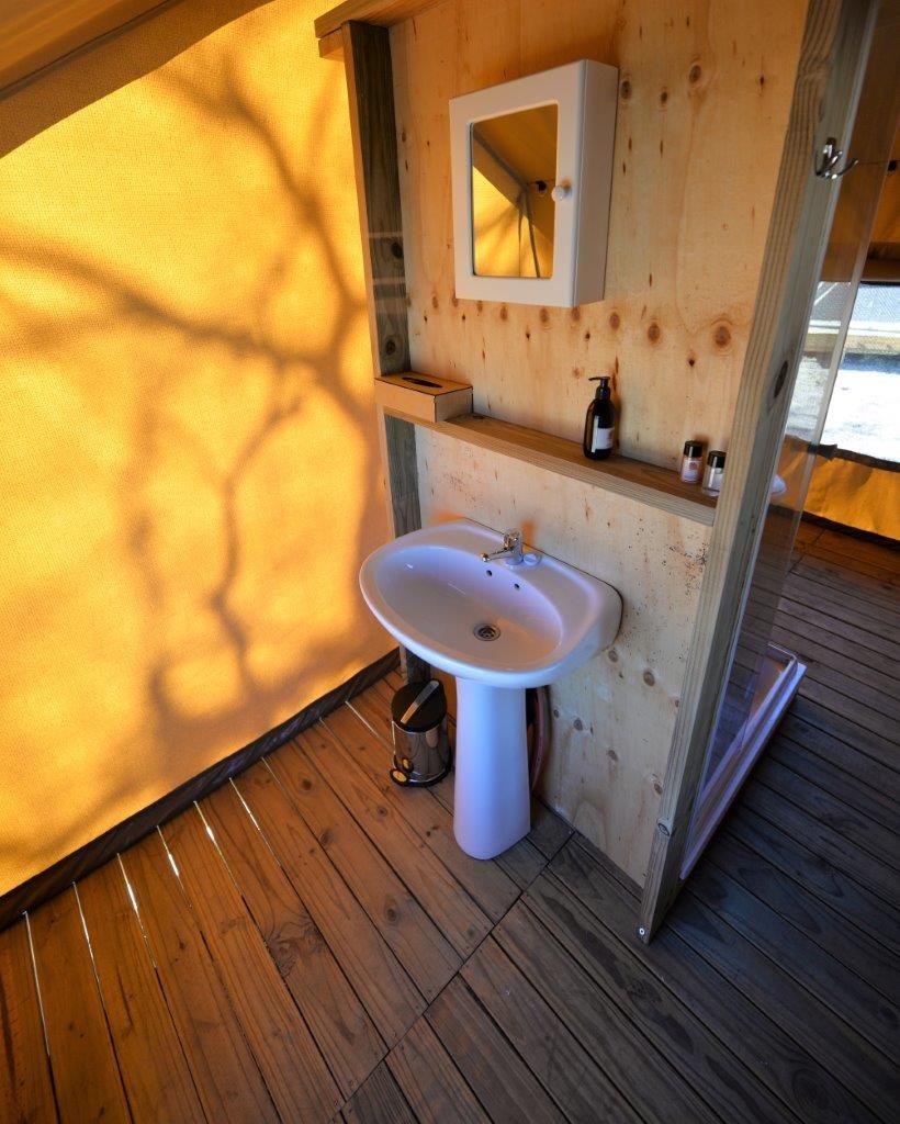 Single washbasin
